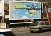 Strategie marketingowe - billboard na ulicy miasta